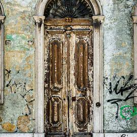 Marco Oliveira - Door No 35