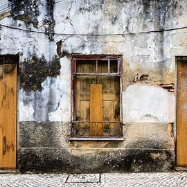 Marco Oliveira - Door No 61