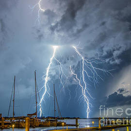 Dramatic Strike 2 by Stephen Whalen