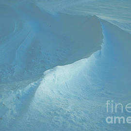Luther Fine Art - Drifted Snow Waves
