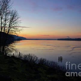 Don Siebel - Dusk on the Columbia River