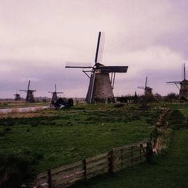 Dutch Country by John Scates