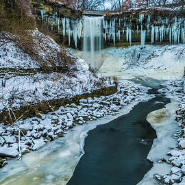 Lowlight Images - Early Winter at Minnehaha