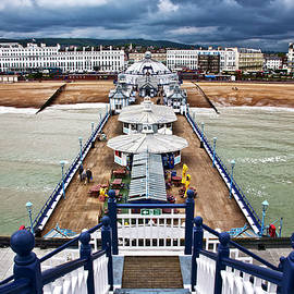 Eastbourne pier by Heiko Koehrer-Wagner