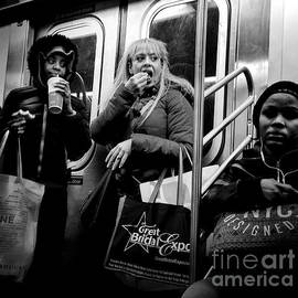Miriam Danar - Eat and Run - Subways of New York