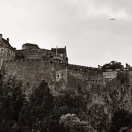 Edinburgh Castle by Songquan Deng