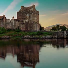 Jaroslaw Blaminsky - Eilean Donan Castle at sunset
