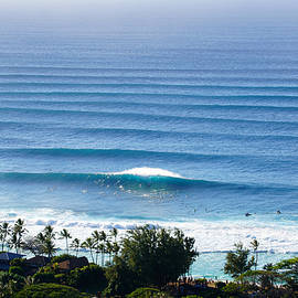 El Nino's Pipeline Lineup by Kevin Smith