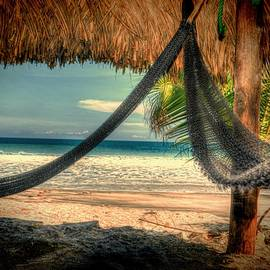 El Palmar Beach in HDR by Emmanuel Herbelet