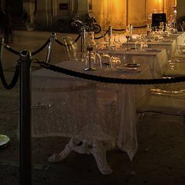 Georgia Mizuleva - Elegant Italian Dining - The Glass Restaurant in Syracuse Sicily