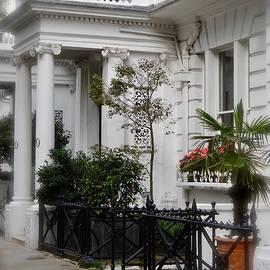 Elegant London by Ira Shander