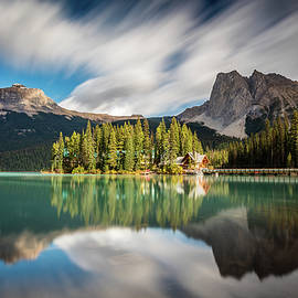 Pierre Leclerc Photography - Emerald Lake Lodge in Yoho National Park