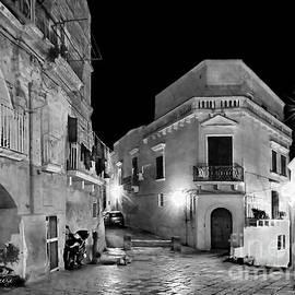 Jennie Breeze - Empty Streets of Matera.Italy