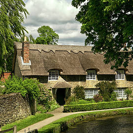 Robert Murray - English Thatched House