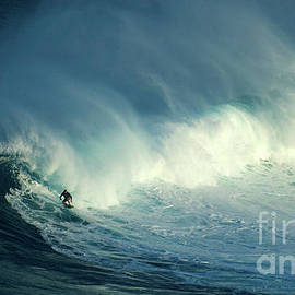 Extreme Surfing Hawaii 17 by Bob Christopher