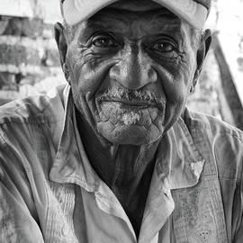 Wayne Moran - Faces of Cuba The Gentleman