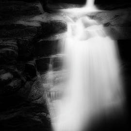 Bill Wakeley - Falling Into the Abyss black and white