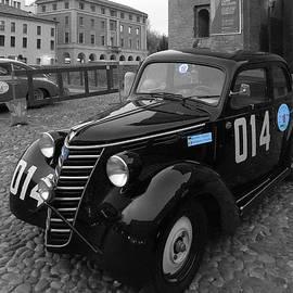 Marina Usmanskaya - Fiat 1100 Retro