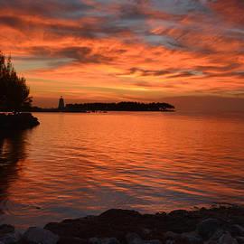 Stephen  Vecchiotti - Fiery Sunset Reflections