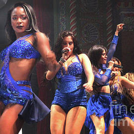 Gary Gingrich Galleries - Fifth Harmony-2062-Stage