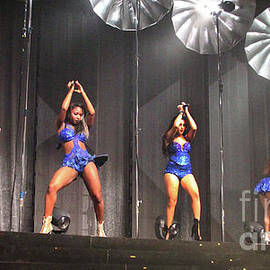 Gary Gingrich Galleries - Fifth Harmony-2678-Group