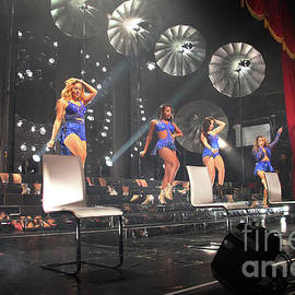 FifthHarmony-1773-Stage by Gary Gingrich Galleries