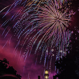 Fireworks 1 by Jerry Gammon