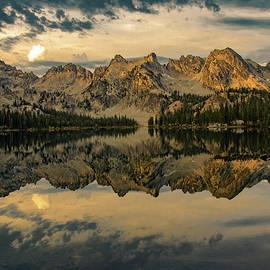 Link Jackson - First Light over Alice Lake