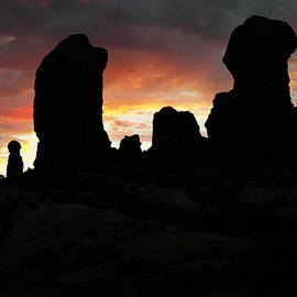 Dawn in the Garden of Eden Arches National park, by Jeff Swan