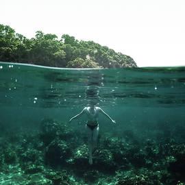 Nicklas Gustafsson - Floating