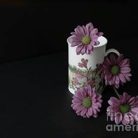 Ann Horn - Flowery Teacup
