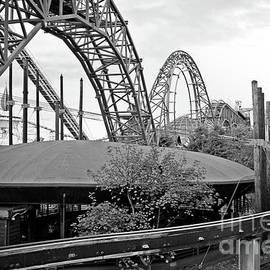 Doc Braham - Flying Saucer Landing on a Roller Coaster