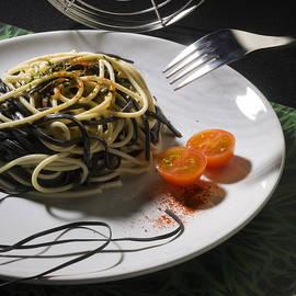 Food by Agusti Pardo Rossello