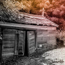 Old Barn Duo Tones On Black And White by Blake Webster