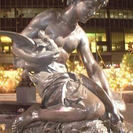 Fountain Square Cincinnati Ohio by Charlene Cox