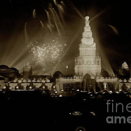 Fountain of Energy and Tower of Jewels at night, Night Illumination 1915