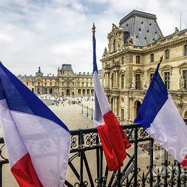 Liesl Walsh - French Flags At Louvre, Paris