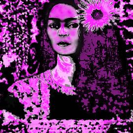 Frida in Frida Pink by Fania Simon
