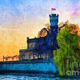 Tatiana Travelways - Friedrichshafen castle at sunset