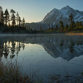 Dan Mihai - Frosty Picture Lake