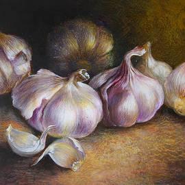 Garlic painting by Vali Irina Ciobanu