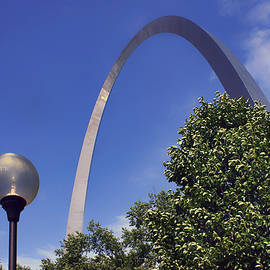 Gateway Arch - Light Post - Saint Louis