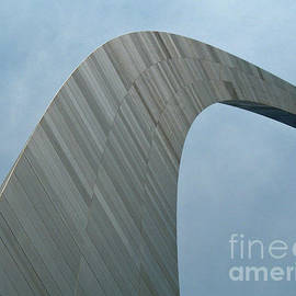 Gateway Arch by Tony Baca