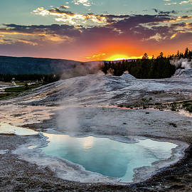 Lisa Lemmons-Powers - Geysers Smoking at Dusk