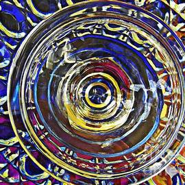 Sarah Loft - Glass Abstract 587
