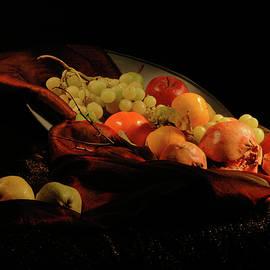 Guido Strambio - Glowing fruit 1