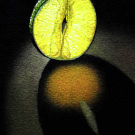 Rebecca Giles - Glowing Lime Slice