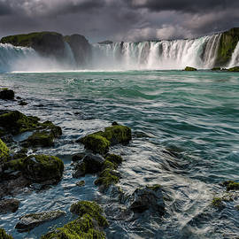 Claire Walsh - Godafoss