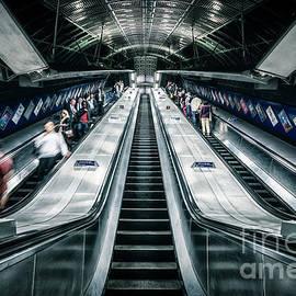Going Underground - Evelina Kremsdorf
