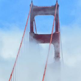 Golden Gate Bridge by Connor Beekman